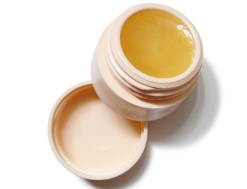 Coconut Oil: How to Make Homemade Lip Balm